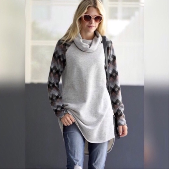 Sweaters - Gray Plaid Sleeve Cowl Neck Sweater